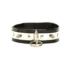 Extra wide leather collar with a metal ring