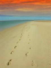 traces de pas sur le sable