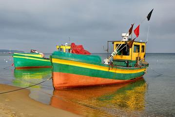 Krajobraz Morski, kutry rybackie na plaży