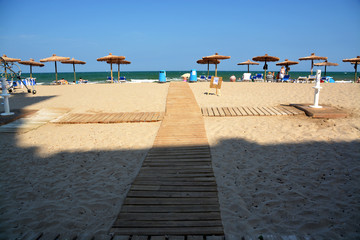 panoramica de una playa mediterranea