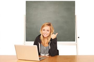 Mädchen im Klassenzimmer
