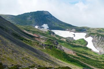 大雪山赤岳より望む白雲岳