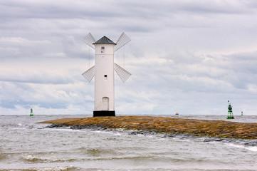 Latarnia morska przy wejściu do portu, Świnoujście, Polska