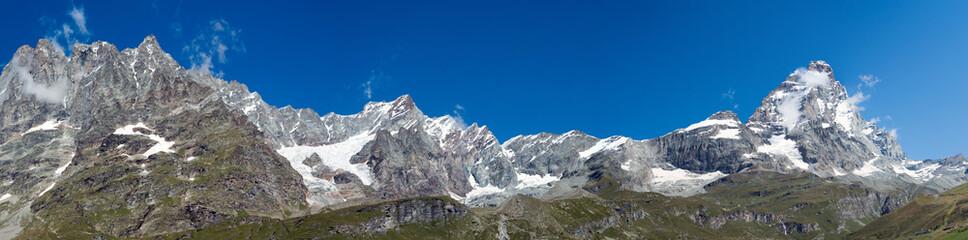 Panorama della valle del Cervino