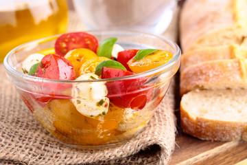 Tomatensalat mit Mozzarella - tomato salad with mozzarella