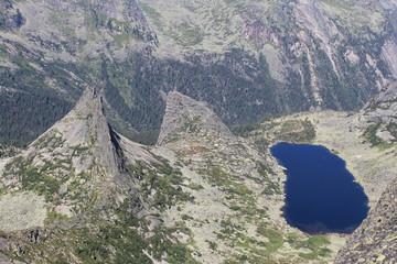 Парабола и озеро Горных Духов