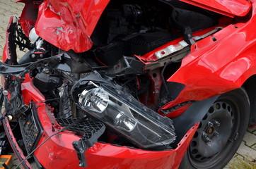Unfall, Totalschaden an Auto