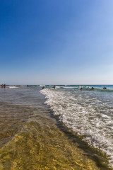 Surf à Biscarosse Plage