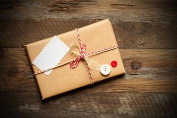 Geschenk mit Anhänger