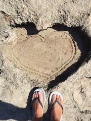 Un cuore disegnato dal mare