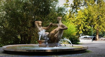 fontaine...jardin public zurichois