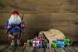 Gutschein zu Weihnachten: Santa mit Geschenke