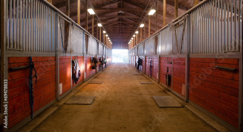 Fotobehang Stadion Center Path Through Horse Paddock Equestrian Ranch Stable