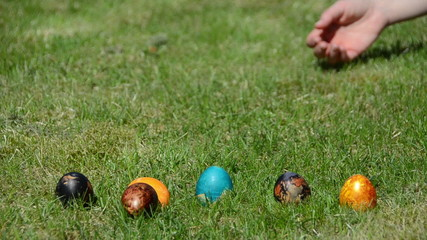 Hand countdown to start Easter egg game