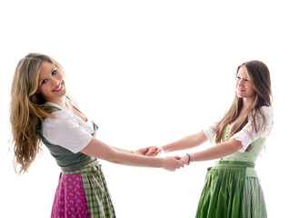 Zwei Mädchen in bayerischer Tracht