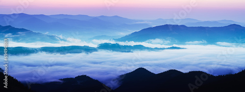 Mountain foggy sunrise © Roxana