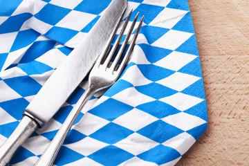 Oktoberfest - Bayerische Flagge und Besteck