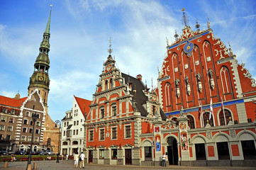 House of the Blackheads and the Cathedral of St. Pete in Riga, L