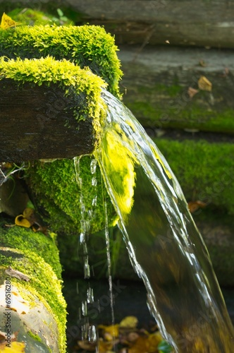 source of natural mineral water - 69516280