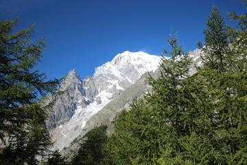 montagna incorniciata