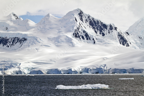 Foto op Canvas Poolcirkel Antarctica - A Beautiful Day - Travel Destination