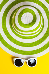 Pretty green hat with sunglasses