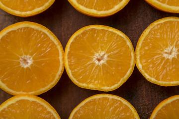 Media naranja. Fruta cortada.