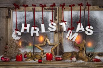 Weihnachtskarte: Dekoration klassisch in rot weiß mit Holz