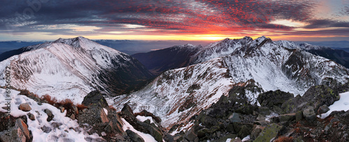 canvas print picture Majestic sunset in winter mountains landscape