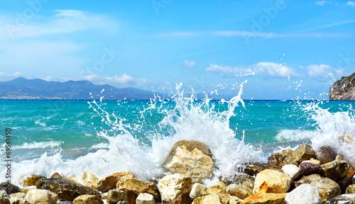 In de dag Golven Waves of the sea. Mirabellno Bay, Crete