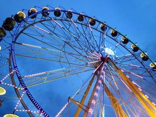 ferris wheel in the twilight