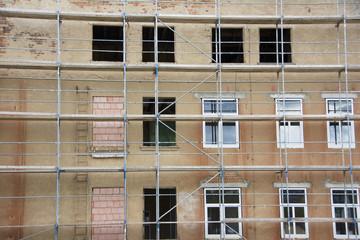 Fassade mit Baugerüst