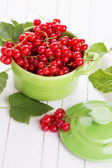 Fresh red currant