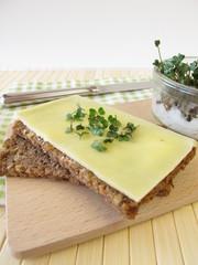 Käsebrot mit Sprossen-Broccoli