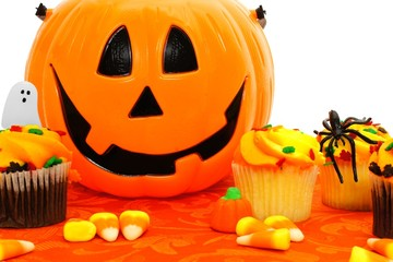 Halloween Jack o Lantern candy pail with cupcakes
