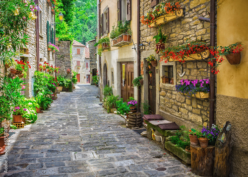 Italian street in a small provincial town of Tuscan - 69581699