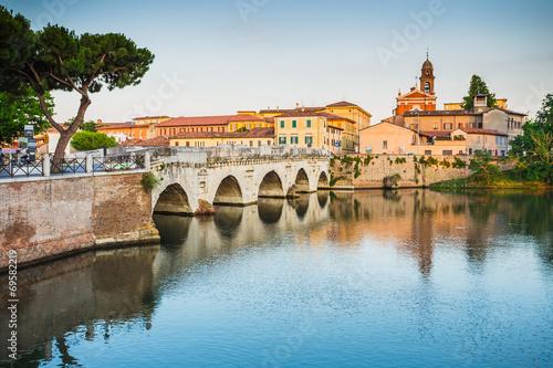 Leinwanddruck Bild Bridge of Tiberius (Ponte di Tiberio) in Rimini