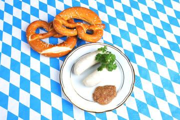Teller mit Brezn und Weißwürsten