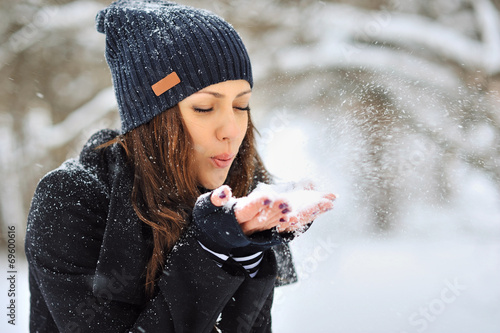 canvas print picture Girl playing with snow in park