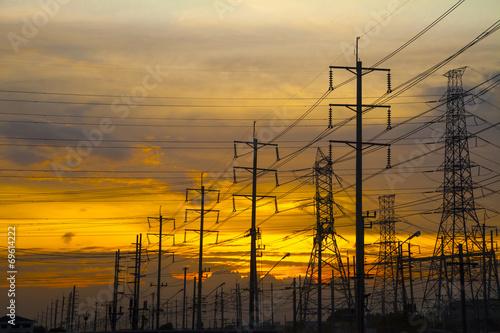 High Voltage - 69614222