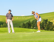 Putt beim Golf