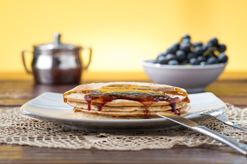 Pancakes con sciroppo