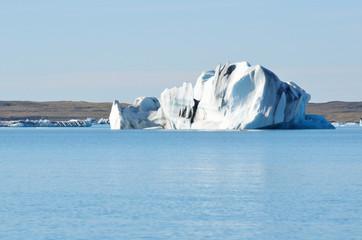 Исландия, айсберг в ледниковой лагуне Йокюлсаурлоун