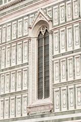 Fianco della facciata del Duomo di Firenze