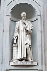 Statua di Niccolò Macchiavelli