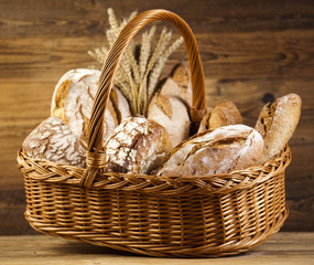 Composition with bread and basket
