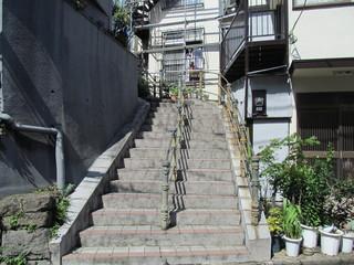 街中の階段