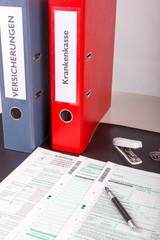 Steuererklärung mit Ordner Versicherung u. Krankenkasse