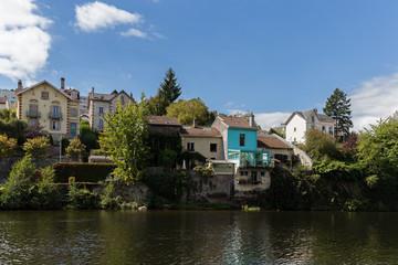 maisons au bord de l'eau