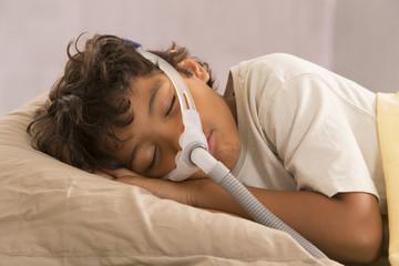 syndrome de l'apnee du someil chez l'enfant -traitement par pres